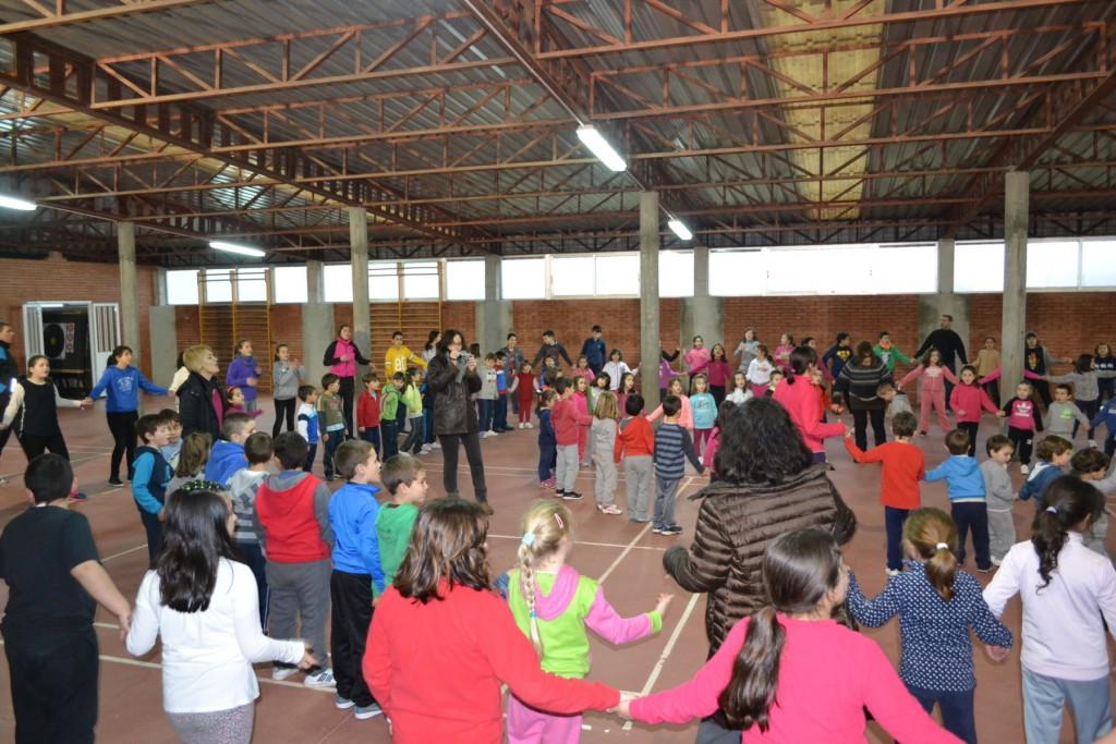 CEIP-Serra-Vincios-Gondomar-celebrou-Día-da-Paz-Xincana-recollida-alimentos