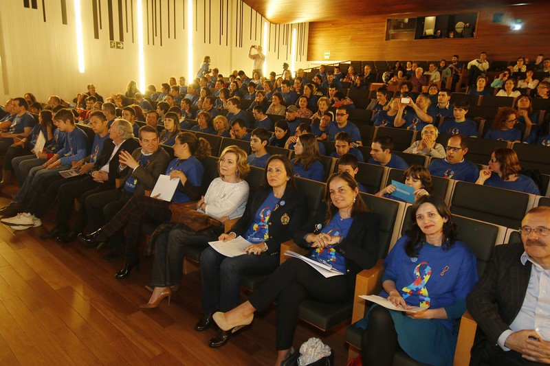 "Día-Mundial-Concienciación-sobre-o-Autismo-2015-""Autismo. Stop Discriminación"""