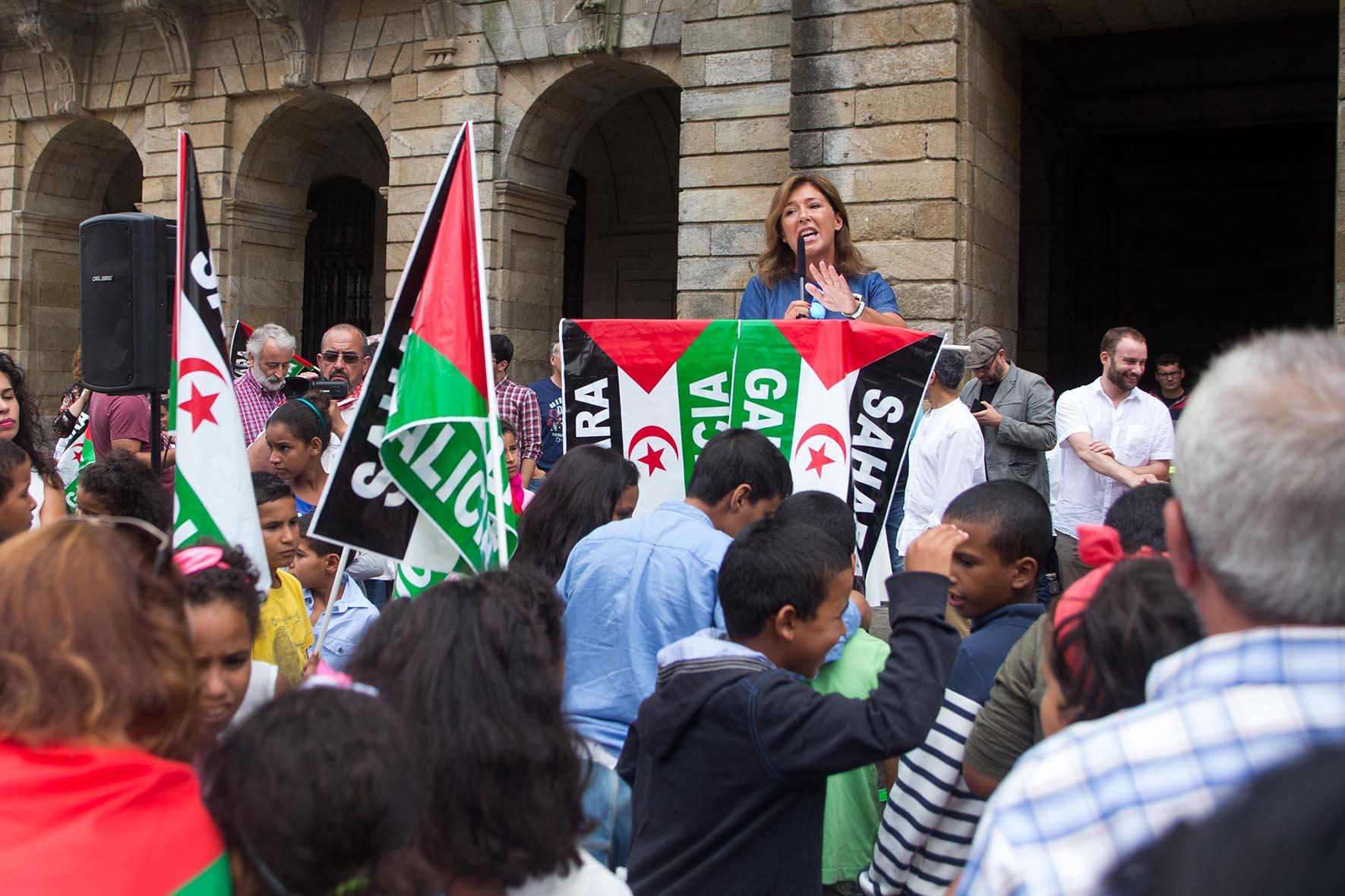 Mato-eloxia-solidariedade--familias-acollen-nenos-nenas-saharauís-programa-Vacacións-paz