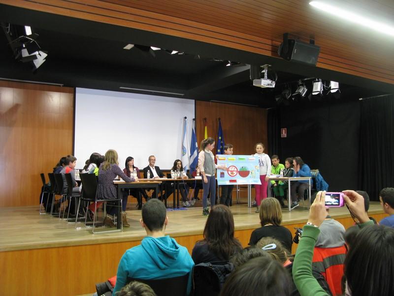 auditorio-municipal-de-nigran-acolleu-hoxe-o-primeiro-pleno-infantil-coa-participacion-dos-colexios-do-municipio
