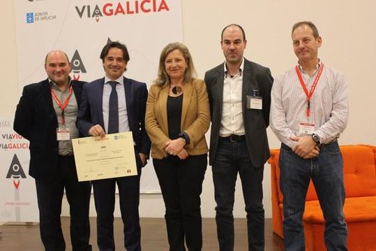 O director de Xesgalicia, Juan Cividanes e a Delegada da Zona Franca, Teresa Pedrosa cos emprendedores de ViaGalicia en Porto do Molle
